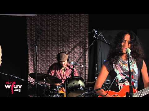Rupa & The April Fishes -