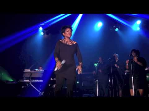 Gladys Knight Performs MAKE YOURS A HAPPY HOME