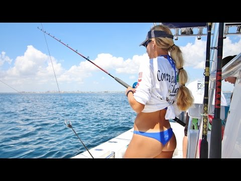 Big 40lb Kingfish Landed by Florida Offshore Fishing Team Video