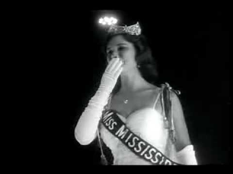 Mary Ann Mobley  1959 crowned Miss America