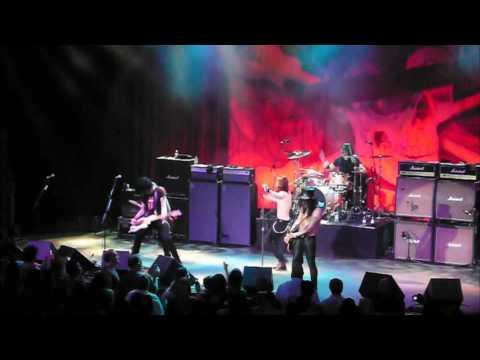 Slash w/ Myles Kennedy - Communication Breakdown - Atlantic City - May 22, 2010