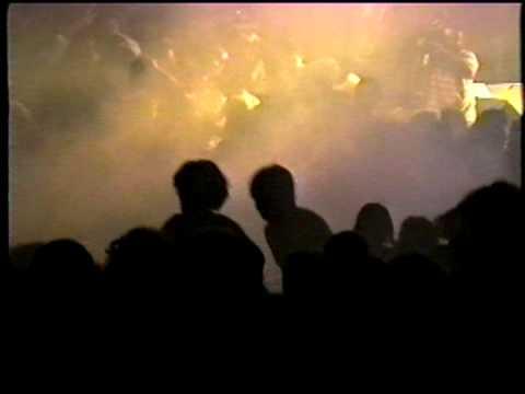 Ramones - Rio De Janeiro 1992 SHOW DA BOMBA DE GÁS LACRIMOGÊNEO (Gas Bomb)
