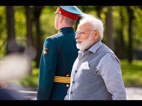 PM Modi visits Piskarovskoye Cemetery in St Petersburg, Russia