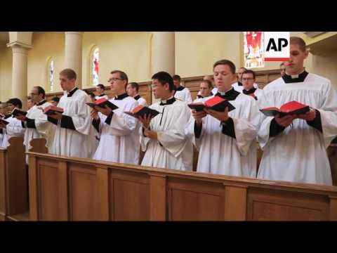 Nebraska Priests' Chants Are Best-Selling Album