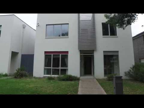 Rent a House in Melbourne: Parkville House 4BR/2.5BA by Melbourne Property Managers