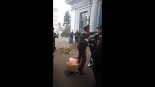 В Москве полицейские зверски избили пожилых пенсионеров