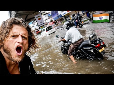 Kochi Flooded After My First Day | I Was Stuck In Flood Water | Cochin | Stay Safe |