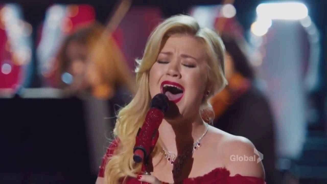Kelly Clarkson - Wrapped In Red (Cautionary Christmas Music Tale ...