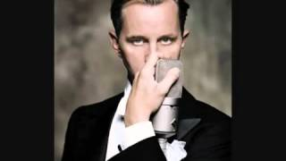 Max Raabe - Tainted Love