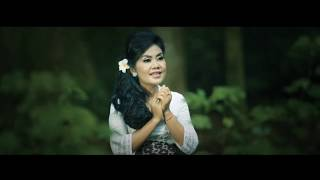 Download Lagu Siwa Ratri - Ayu Saraswati [OFFICIAL VIDEO] mp3