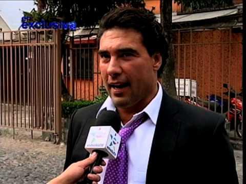 Eduardo Yañez no es mujeriego, pues se caso con otro hombre