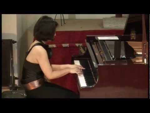 Mei Yi Foo (piano) plays Liebeslied by Kreisler arr. Rachmaninov - YouTube