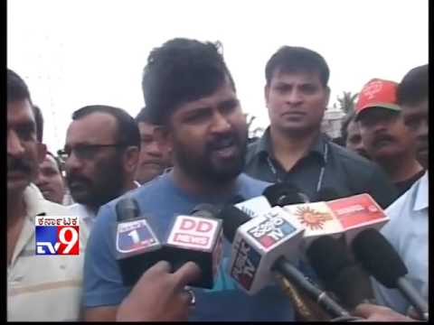 Those Patronised by CM Responsibel for RSS Activist Sharath''s Death: Prathap Simha