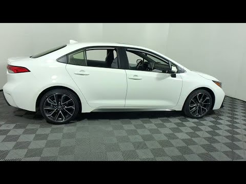 2020 Corolla vs 2019 Corolla AT NIGHT: which do you like better?