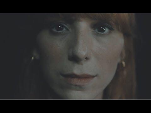 Burcu Tatlıses - Uzaklar (Official Klip)