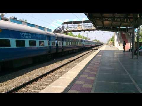 22917 Bandra T. Haridwar Weekly Express Shines Through Shining Umroli