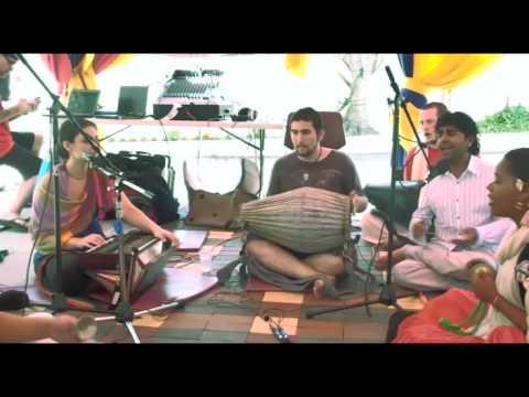 Bhajan - KulimeLA Day 1 - Kalindi dasi (3/11)