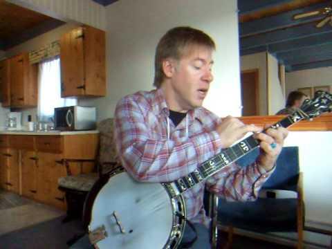 Chris Quinn - Bluegrass banjo, major chords, & back-up - YouTube