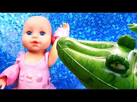 Видео с игрушками - Кукла Беби Бон в Опасности? Мим идёт на работу! – Игры для детей с Baby Born.