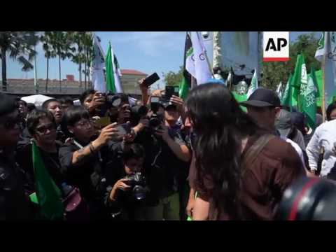 Protest in Bangkok over coal station plan