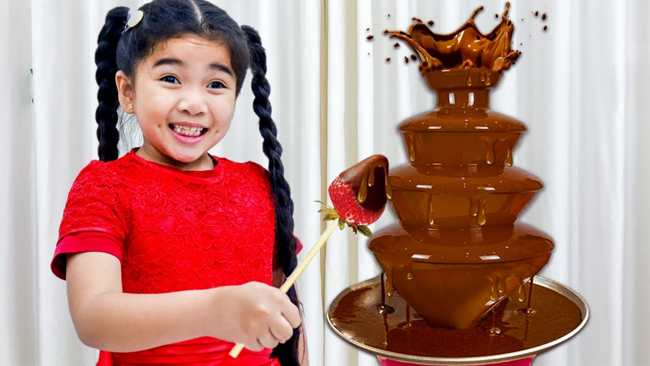 Annie and Suri Pretend Play with Chocolate Food Toys for Kids | Video for Children