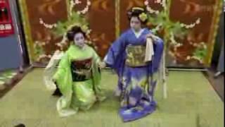 平成29年用の年賀はがきの販売が1日、全国で一斉に始まり、京都中央...