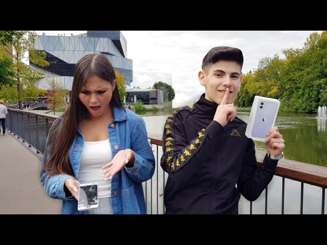 Ich zerstöre Handys der Leute... und SCHENKE ihnen ein iPhone 11