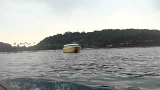 アキーラさん利用④タイ・プーケット!ラッサダー埠頭→ピピ島行きボート!小舟へ乗り換え!Boat from Ratsada pier to Pipi island,Thailand