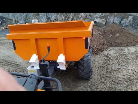Can Am Outlander 570 Max T3 ABS drive with ATV Dump Trailer ( Speedlimiter )