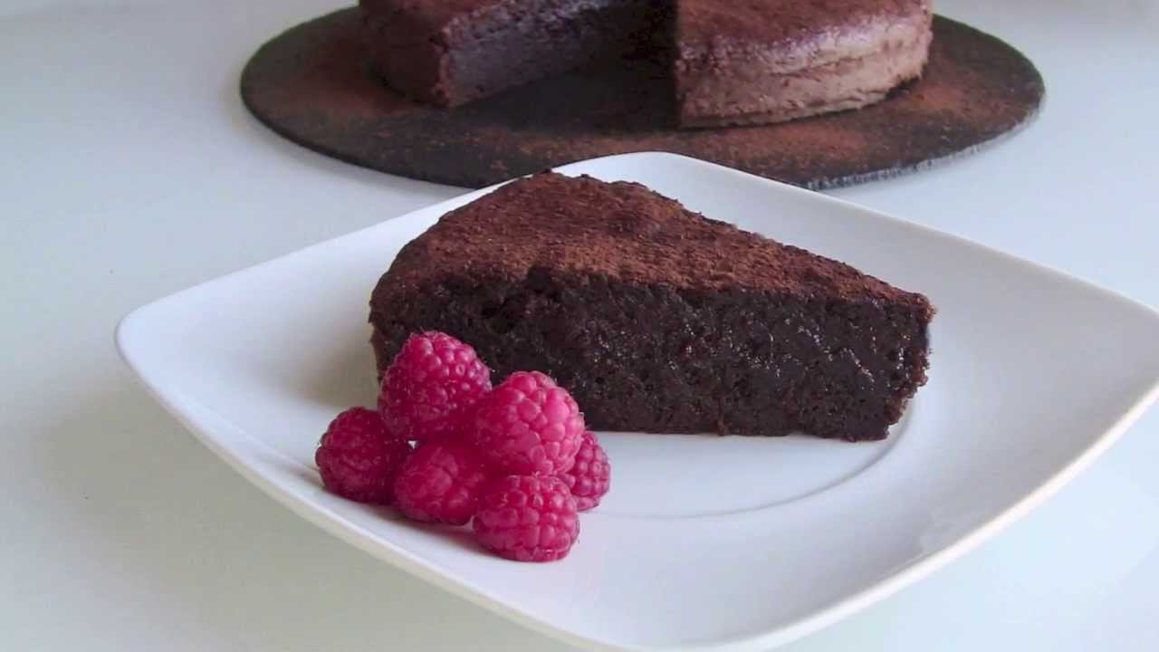 Pastel de chocolate f cil youtube - Bizcocho microondas isasaweis ...