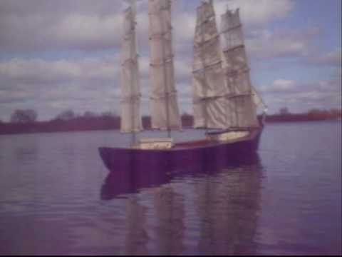 Model square rig camera boat.wmv