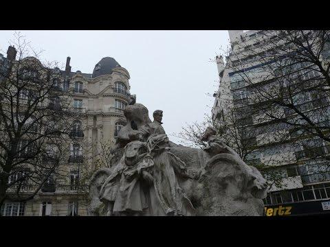 Paname, autour de la place Saint-Ferdinand