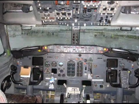 Boeing 737-400 Inside and Out Tour!