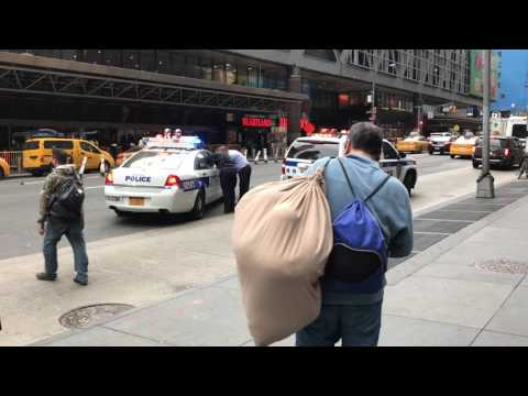 NY & NJ PORT AUTHORITY POLICE OFFICERS ARRESTING MAN ON 8TH AVENUE IN HELL'S KITCHEN, MANHATTAN.
