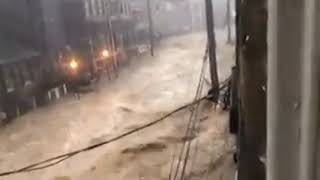 Flash floods rush through Ellicott City, Maryland