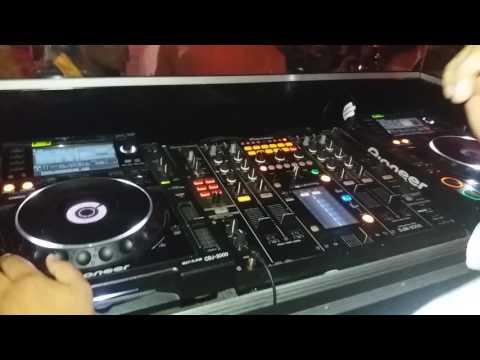 The DJ Shuffles playing house at Cubana (Greenpoint)