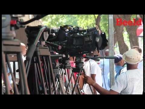 Oscar Pistorius: Media buite hof