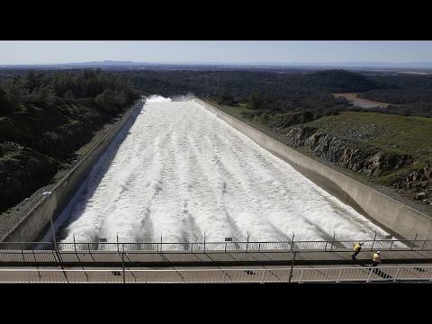 Oroville Dam Crisis - Workers Make Frantic Repairs, 200,000 People Evacuated   2 13 2017