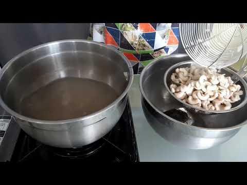RESEP ROTI ABON GULUNG / BREAD FLOSS ROLL LENGKAP DENGAN PANDUANBahan : - 250 gr tepung terigu Cakra / protein tinggi - 50 ....