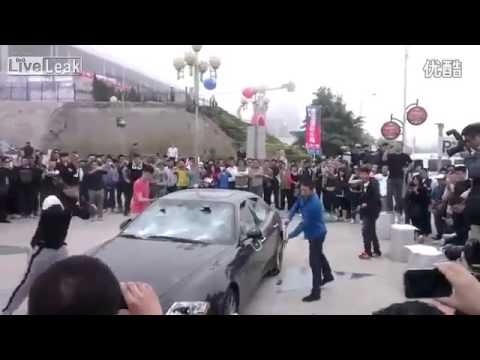 Maserati Quattroporte smashed in protest in Qingdao over bad customer service from maserati China