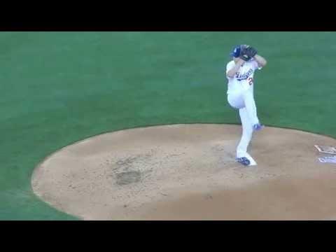 Clayton Kershaw pitching v. Rockies