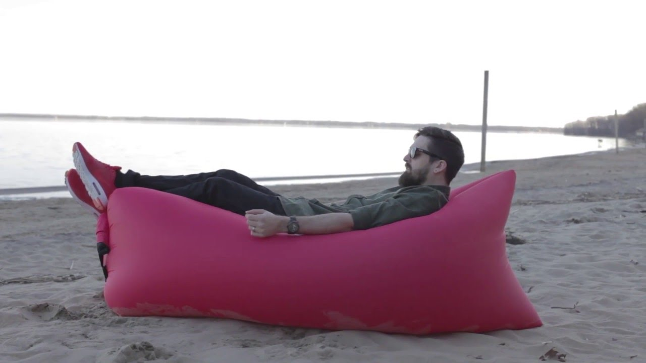 Kozybag chaise longue gonflable et portative youtube for Chaise longue de plage
