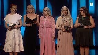 Jentene fra SKAM deler ut pris på Gullruten