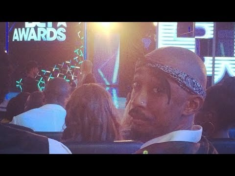 TUPAC ALIVE AT BET AWARDS 2014