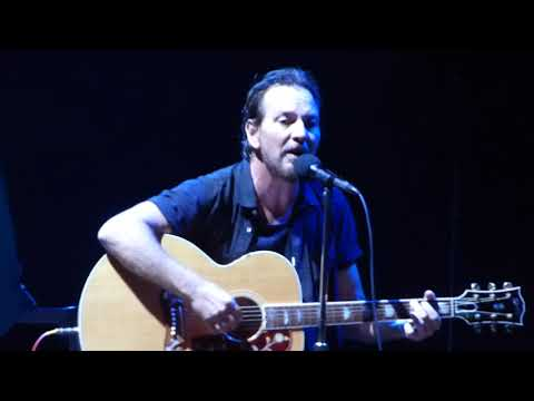Pearl Jam  Were Gonna Be Friends The White Stripes   Wrigley Field August 20, 2018