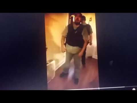 CHICAGO POLICE KICKS IN DOOR (NO WARRANT) Oct 2,2017