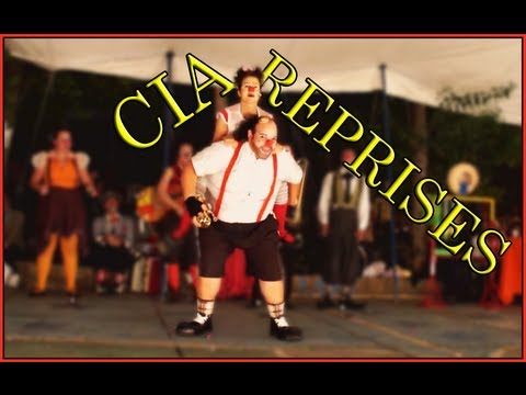 """Esquetes """"Apresentação"""" e """"O rato"""" por Cia Reprises - Circo no Beco Especial (17/03/2012)"""