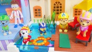 Paw Patrol play at playmobil pool