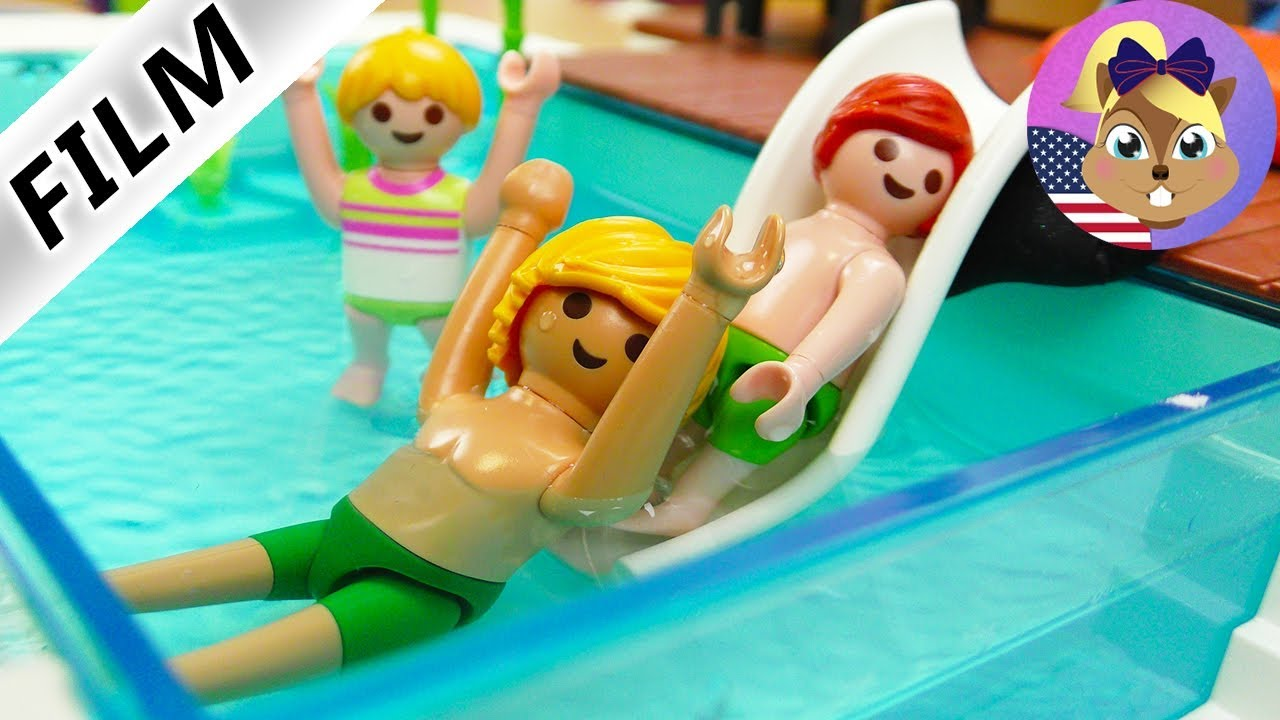 Playmobil Film English | Is Dad CRAZY? | SLIDE IN POOL! Water Park For  Smith Family