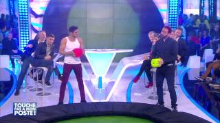 Rayane Bensetti et Cyril Hanouna s'affrontent aux dés strip-teaseurs !